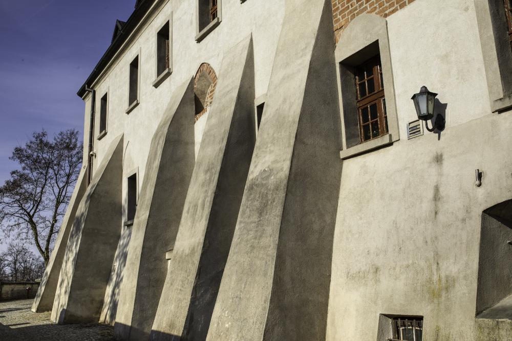 ściana koscioła benedyktyńskiego w mogilnie