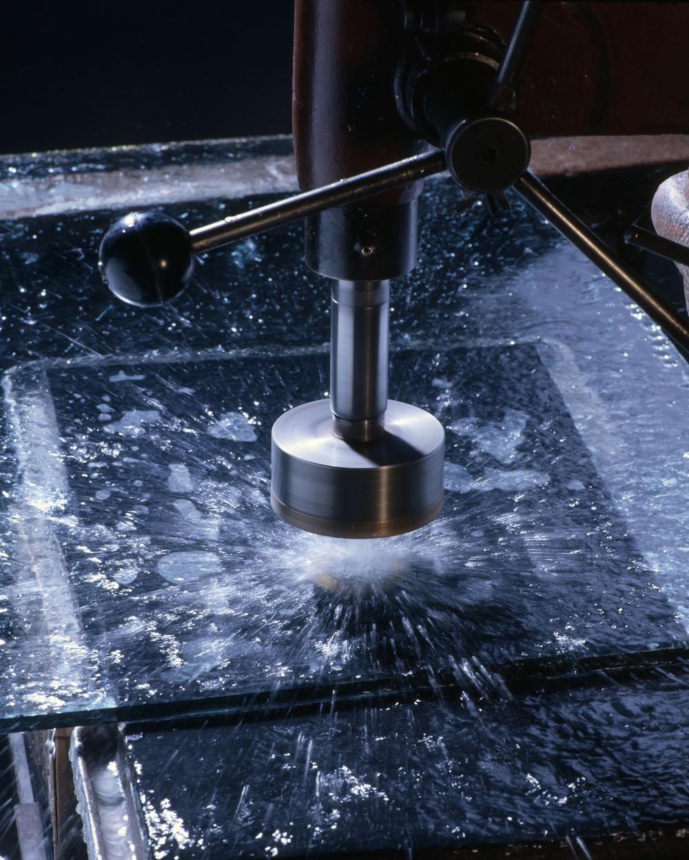 cięcie wodą materiałów