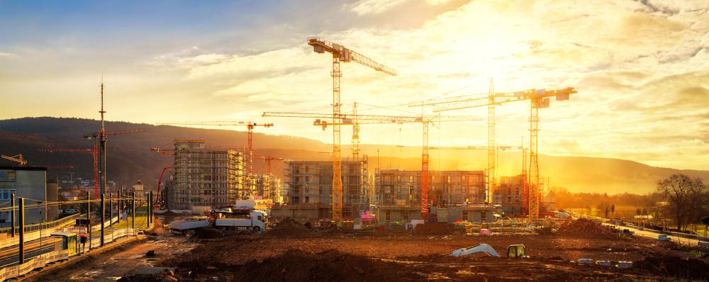 budowa i dźwigi na budowie